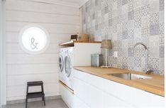 Log Home Designs, House In The Woods, Log Homes, Laundry Room, Villa, House Design, Living Room, Bathroom, Jezera