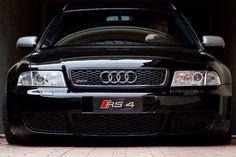 #Audi RS 4