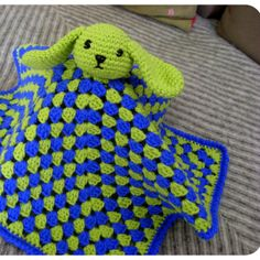 Security Blanket – Bunny ~ free pattern (I love the floppy ears)