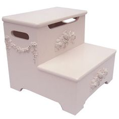 princess stool- i need this for Bella's room