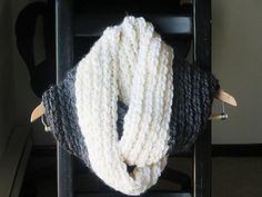 Addison Chunky Infinity Scarf by CrochetDreamz #crochet #pattern #free