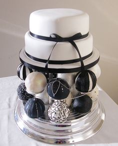 Black and white baubles wedding cake by Curly Sue Cakes, via Flickr