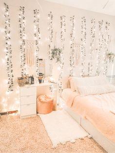 Teenage Room Decor, Bedroom Decor For Teen Girls, Teenage Girl Rooms, Teenage Girl Bedroom Designs, Teenager Rooms, Girls Bedroom Decorating, Boho Teen Bedroom, Teen Girl Bedrooms, Young Adult Bedroom