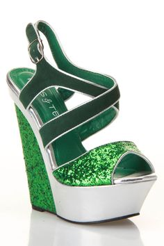 omg these should be my first pair of green sandles!!!!