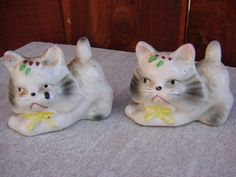 VINTAGE JAPAN WHITE CATS SALT & PEPPER SHAKERS