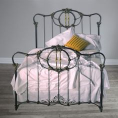 Brass Beds of Virginia<BR> Victoria Iron Bed. Oh my goodness, I have loved this bed for 4 years. It's a bit over our budget in a king but it is so, so cool. Antique Iron Beds, Wrought Iron Beds, Vintage Bedding Set, Rustic Bedding, Bedroom Colors, Bedroom Decor, Bedroom Ideas, Bedding Decor, Boho Bedding