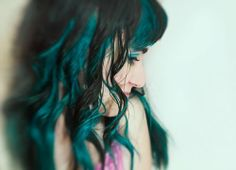 I love the slices of teal underneath the black. So pretty!    I have teal hair. by anda maciel, via Flickr