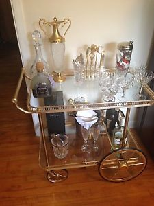 Vintage Hollywood Regency Mid-Century 2 Tier Brass Bar Cocktail Cart - Mint condition
