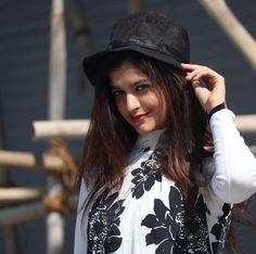 Stylish Girl, Picture Quotes, Hats, Beautiful, Fashion, Moda, Hat, Fashion Styles, Fashion Illustrations