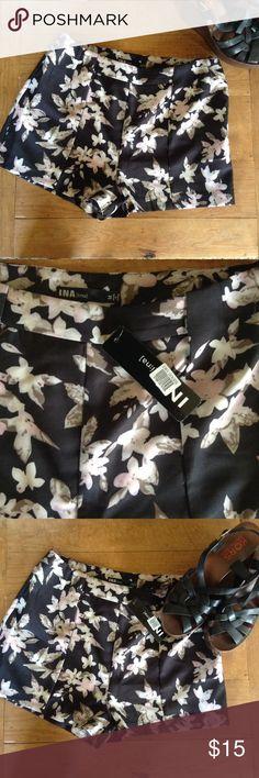 Dry Good floral shorts Very cute NWT size medium shorts. INA Shorts
