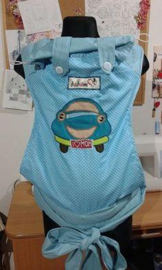 Mei taiul Babám este un mijloc ergonomic pentru purtarea bebeluşului.   E o senzaţie unică când poţi să-l porţi bebeluşul strâns în braţe într-un mod comod şi sigur care îţi permite să desfăşori activităţlie zilnice având mâinile libere.   Vârsta recomandată: 4-6 luni până la 2-3 ani sau 15 kg.  Mei taiul Babám îţi permite purtarea bebluşului în faţă, în spate şi pe şolduri.   Mărime standard: body lăţime 40 cm, înălţime 40 cm, bretele 2 metri, căptuşite cu vatelină groasă pe 50 cm pe umeri… Backpacks, Bags, Fashion, Bramble, Handbags, Moda, Fashion Styles, Backpack, Fashion Illustrations
