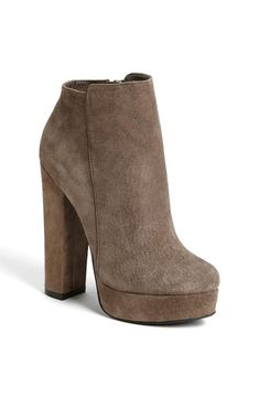 Neutral suede bootie. Already on the fall wishlist!
