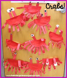 Paper plate crabs are great for an ocean unit!   Research and write about crabs and then make these cute guys to go with the writing!  Ocean unit.  Ocean art.  Crab art kindergarten.