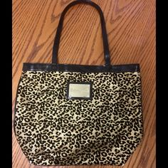 Betseyville small Tote Betseyville Glitter Cheetah Print Small Tote !Preloved Betsey Johnson Bags Totes
