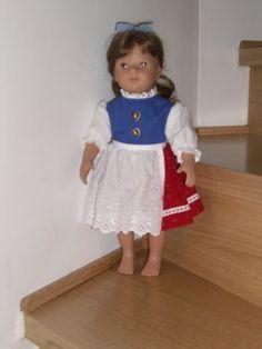Puppenkleidung-Tracht-Dirndl-mit-Schuerze-fuer-38-43-cm-Puppen
