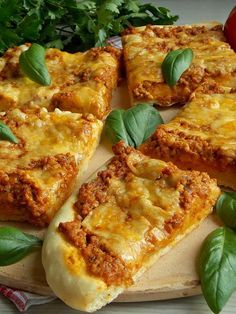 Burger, Lasagna, French Toast, Food And Drink, Yummy Food, Cheese, Snacks, Breakfast, Pizza