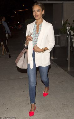 Jessica Alba looked chic in a printed blouse, oversized white blazer, rolled up denim jeans and bright pink loafers http://dailym.ai/1yCTZcW