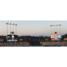 THINK BLUE: #LApix #LA #Losangeles #CA #Cali #California #baseball #stadium #dtla #westcoast #westside #sky #sunset #nofilter #apple #iphone #pano #panogram #panorama #life #dodgers #instafuse #shufflepix #life #happy #blessed #sharktank #payme #happy #spring by gx110