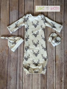 Deer baby gown, knot hat, and no scratch mittens, newborn set - cream with gray bucks head - pinned by pin4etsy.com