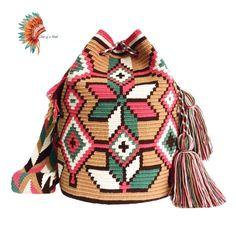 Crochet Handbags, Crochet Bags, Knit Or Crochet, Crochet Stitches, Tapestry Bag, Tapestry Crochet, Kutch Work Designs, Mochila Crochet, Quilted Bag