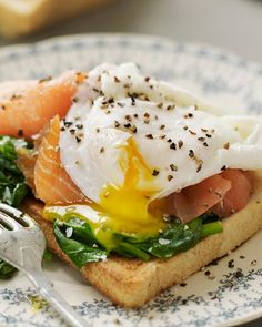 Eggs Benedict with Smoked Salmon / Sweet Paul