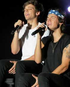 Louis Tomlinson Harry Styles One Direction Larry Stylinson, Harry Styles 2013, Larry Shippers, One Direction Harry, Louis And Harry, Louis Williams, Take Me Home, Harry Edward Styles, Liam Payne
