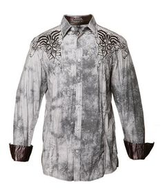 A blend of western and city style, this button-up boasts a traditional design. Embroidered detailing plays up its urban flair as pure cotton construction creates day-to-night comfort. Size note: For best fit, please refer to the size chart.