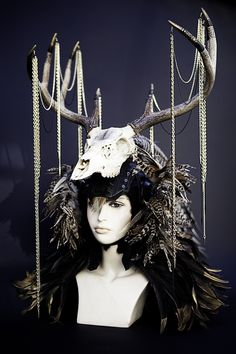 their antlers in human form w/o the skull and decorations Deer Horns, Deer Skulls, Antlers, Maleficent Horns, Steampunk, Horn Headband, Zen Art, Dance Outfits, Mode Inspiration