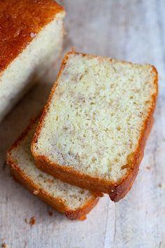 Moist Banana Cake Recipe, Healthy Banana Cakes, Cake Receipe, Easy Vanilla Cake Recipe, Healthy Cake, Banana Bread Recipes, Easy Cake Recipes, Dessert Recipes, Best Banana Bread
