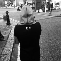 Zobacz na Instagramie zdjęcie użytkownika @elliegoulding • Polubienia: 188.4 tys.