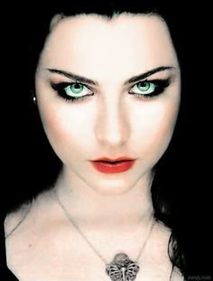 This time is sweeter than honey. Gorgeous Eyes, Simply Beautiful, Beautiful Women, Goth Beauty, Dark Beauty, Metal Bands, Rock Bands, Metallica, Amy Lee Evanescence
