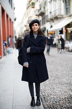 the sartorialist on the street look student Librarian Style, Woman Illustration, Milan Fashion Weeks, London Fashion, Sartorialist, Smart Casual, Outfit Of The Day, Winter Fashion, Normcore