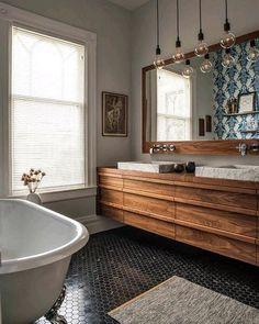 حاجه فخيمه #bathroom #bathdesign #bath #design #interior #interiordesign #storge #wood #light #miror #color #great #amazing #work #vintage #photo by alnagdytech