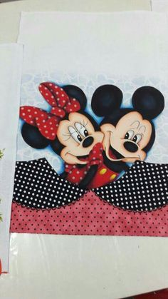 Detalhe do fundo Patchwork Quilting, Quilts, Minne, Amanda, Mcqueen, Decoupage, Mickey Mouse, Backgrounds, Sport