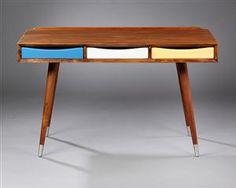 Vare: 3923645Moderne design. Fritstående skrivebord af teaktræ