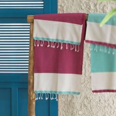 Fouta a color block fuxia, bianco e turchese