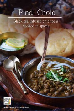 pindi chole - Indian style tea infused chickpeas #comfortmeal #meatlessmonday #Indian #spicy #healthy #protein #lunch