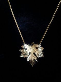 Hey, I found this really awesome Etsy listing at http://www.etsy.com/listing/159727477/vintage-goldtone-24-inch-leaf-necklace