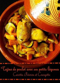 Chicken tagine with vegetables: carrot, pepper and zucchini Easy Dutch Oven Recipes, Oven Chicken Recipes, Meat Recipes, Mexican Food Recipes, Healthy Recipes, Ethnic Recipes, Vegetarian Dutch Oven Recipe, Tajin Recipes, Tagine Cooking