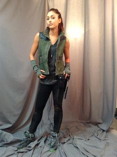 The 100 Raven, Lindsey Morgan, The 100 Cast, Post Apocalyptic Fashion, Cool Outfits, Fashion Outfits, Cara Delevingne, Costumes, Costume Ideas