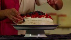 Thermomix pavlova with Dani Valent on Vimeo Sweet Desserts, No Bake Desserts, Sweet Recipes, Whole Food Recipes, Dessert Recipes, Cooking Cake, Cooking Recipes, I Chef, Thermomix Desserts