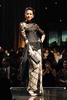 black Vera Kebaya, Kebaya Lace, Kebaya Brokat, Batik Kebaya, Kebaya Dress, Traditional Fashion, Traditional Dresses, Beautiful Gowns, Beautiful Outfits