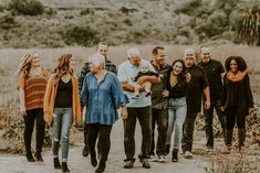 Eichenlaub Family photo collection by Ali Art & Photography Fall Family Picture Outfits, Extended Family Photos, Large Family Photos, Fall Family Pictures, Family Posing, Family Portraits, Family Photography, Art Photography, Got The Look