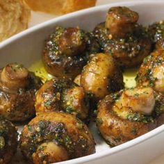 Roasted Garlic Mushrooms - Cocinando con Alena gluten free bread crumbs adjust/omit lemon.