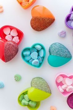 30 DIY Valentine Candy Gifts - Spread the Love with Lots . Kinder Valentines, Valentine Day Crafts, Be My Valentine, Valentine Ideas, Glitter Hearts, Candy Gifts, Valentine's Day Diy, Diy Gifts, Free