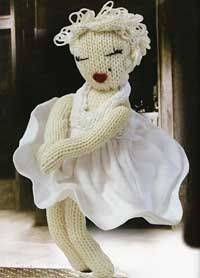 Knit a Marilyn Monroe doll -free pattern