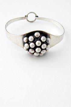 Bracelet | Erik Granit.  Sterling silver. ca. 1972, Finland.