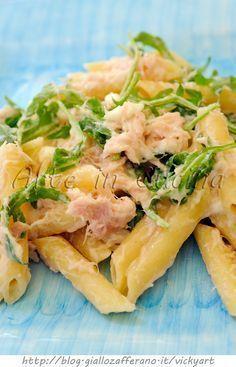 Quick tuna, robiola and rocket pasta Fish Recipes, Pasta Recipes, Cooking Recipes, Healthy Recipes, Salad Recipes, Popular Italian Food, I Love Food, Good Food, Italian Food Restaurant