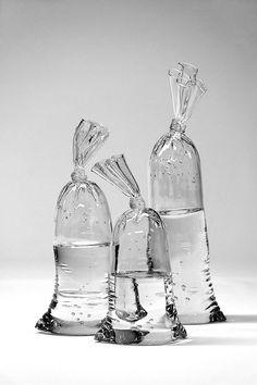 どうやって作ったのか、さっぱりわからない。Water Bags | まとめのインテリア - デザイン雑貨とインテリアのまとめ