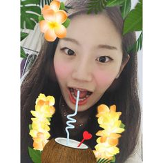 Instagram의 노은지님:  #일상 #데일리 #해외 #여행 #하와이 #발리 #코코넛 . . 하와이 가고싶은 마음 달래는준 코코넛쥬스 현실은 알바인생
